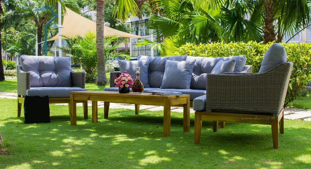 15 contemporary outdoor patio furniture sets for Outdoor furniture modern