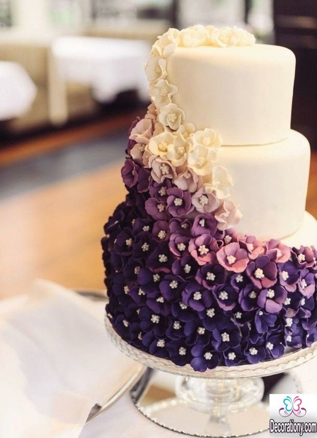 fluffy wedding anniversary cake