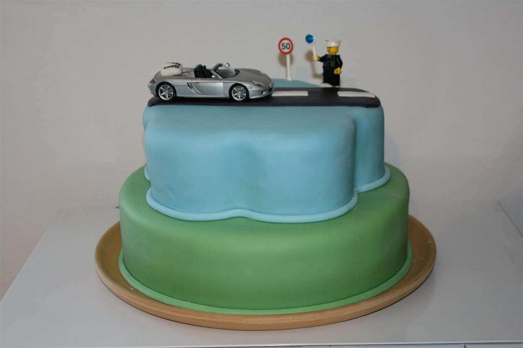 Cake Design For Boys : 13 Birthday Cakes for Men You Wonot Be Able To Resist ...