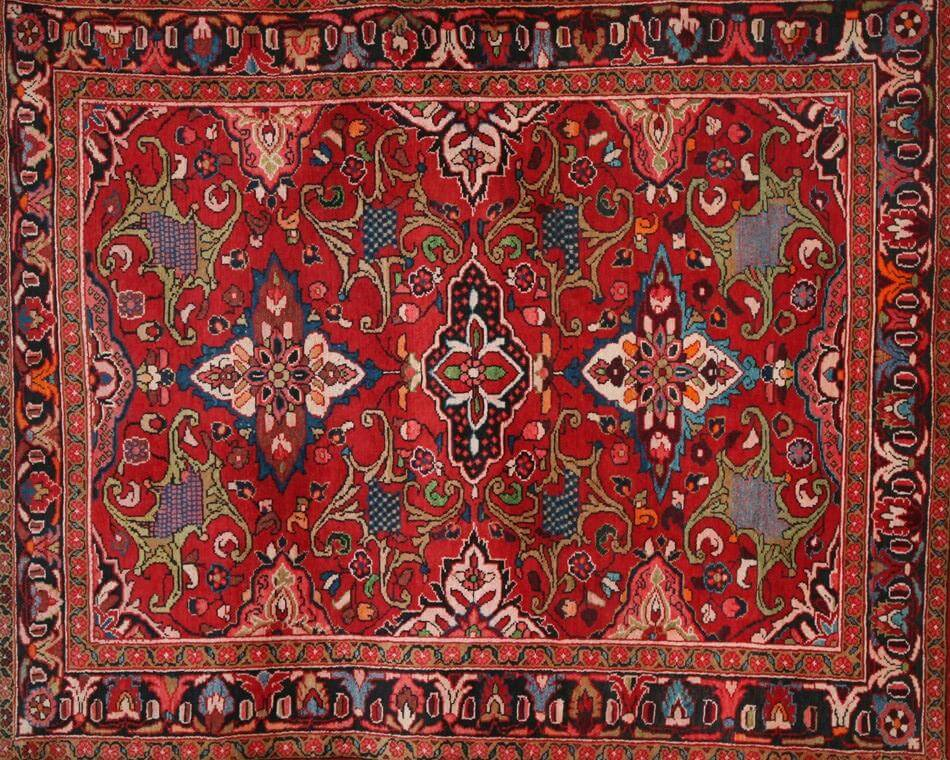 Persian Rug Is Antique Style but Still Fashionable
