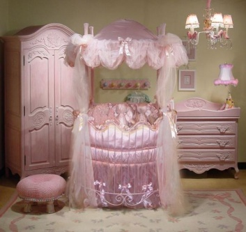 Round baby bed for girls