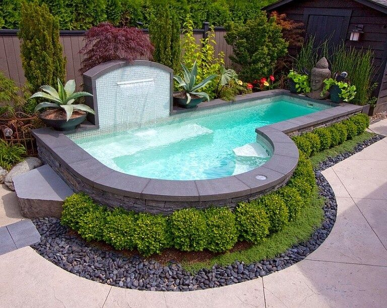 small above-ground swimming pools for small backyards