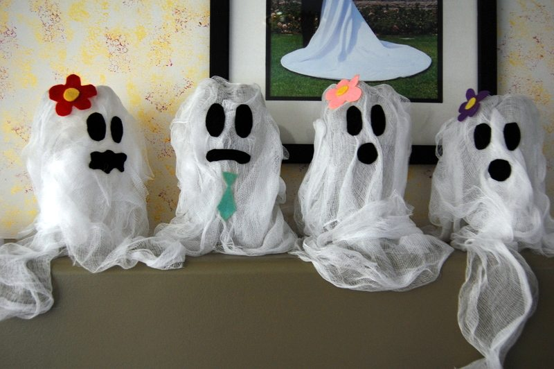 kids-crafts-halloween-ghosts-holiday-decor-arts-and-crafts-family-amazing-dsc-0099