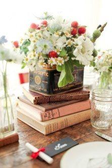 Vintage wedding table centerpiece ideas