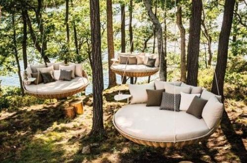 Outdoor relaxing bed design