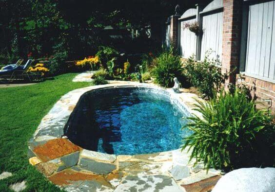 Small backyard pools ideas 2016 decoration y for Backyard inground pool designs