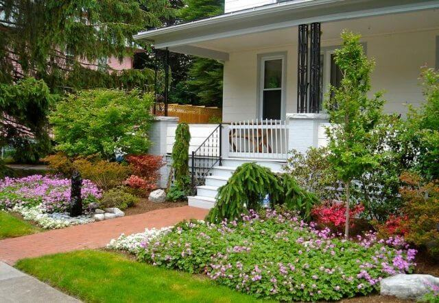beautiful and modern front garden design