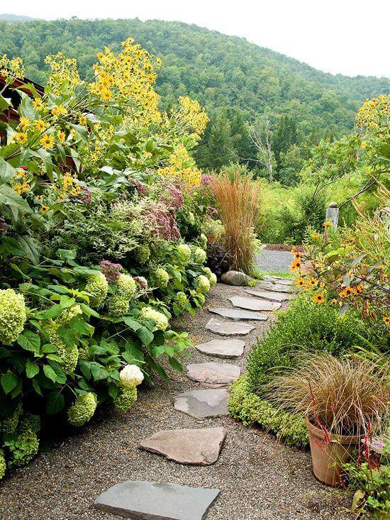 garden walkway decorations