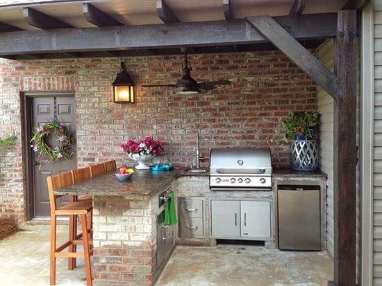 decorating outdoor kitchen