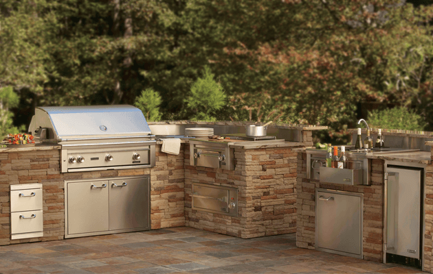 outdoor kitchen design with stones