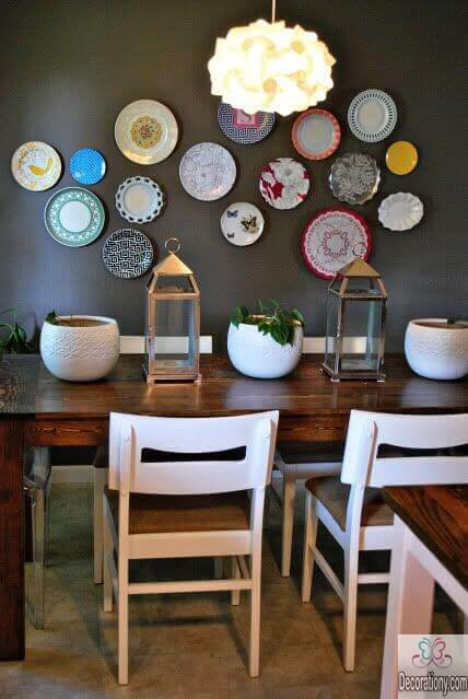 DIY Decorating living room wall by using plates
