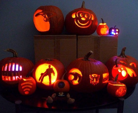 Halloween pumpkin ideas with lights inside - pumpkin carving ideas for halloween