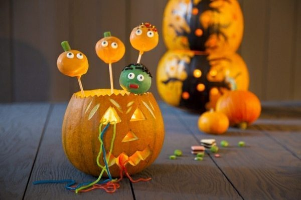 Scary & Funny Halloween table decorations 2018/2017