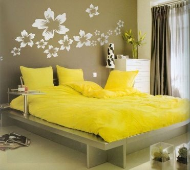 Simple bedroom wall decor