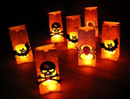 Scary Halloween table decorations