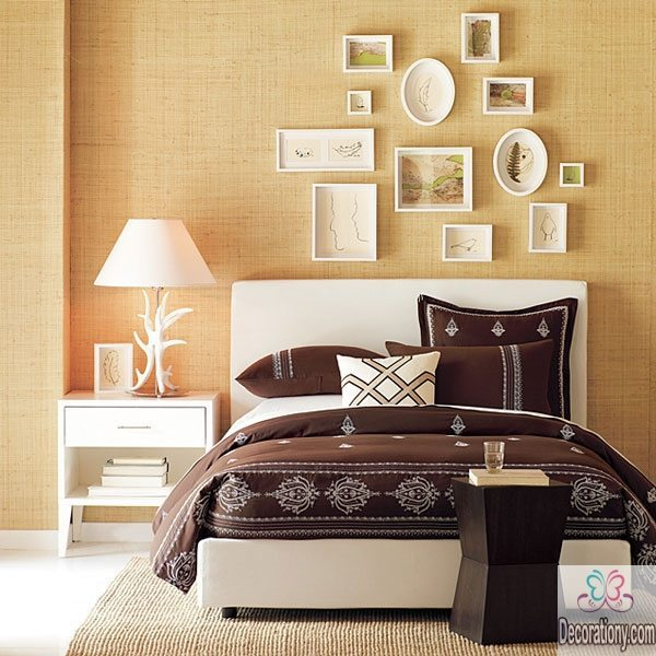 Decorating bedroom walls with plates