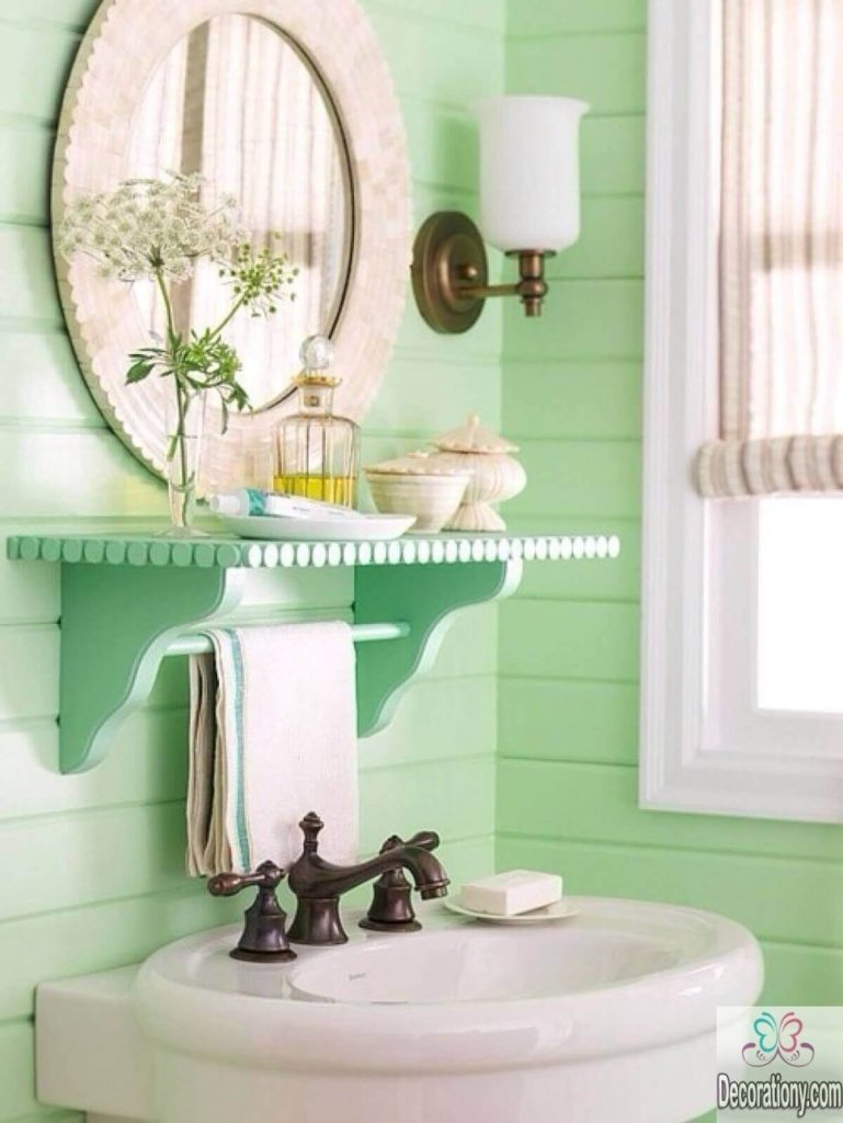 10 affordable colors for small bathrooms decoration y for Images of small bathrooms