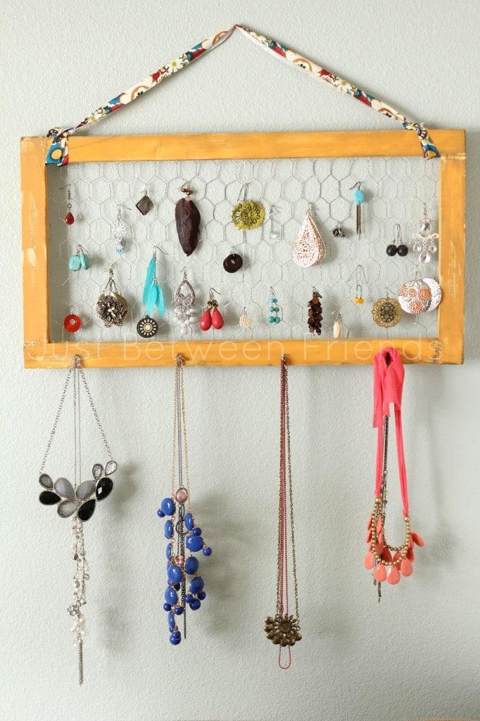 Chicken Wire Jewelry Frame Holdder
