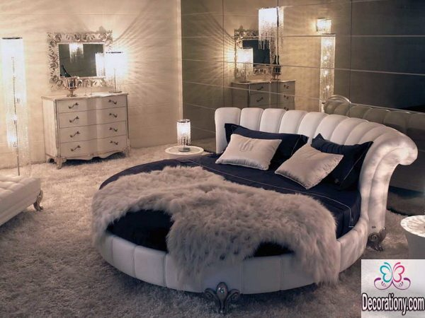 Round King size bed