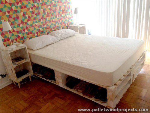 Pallet bed cute bedroom