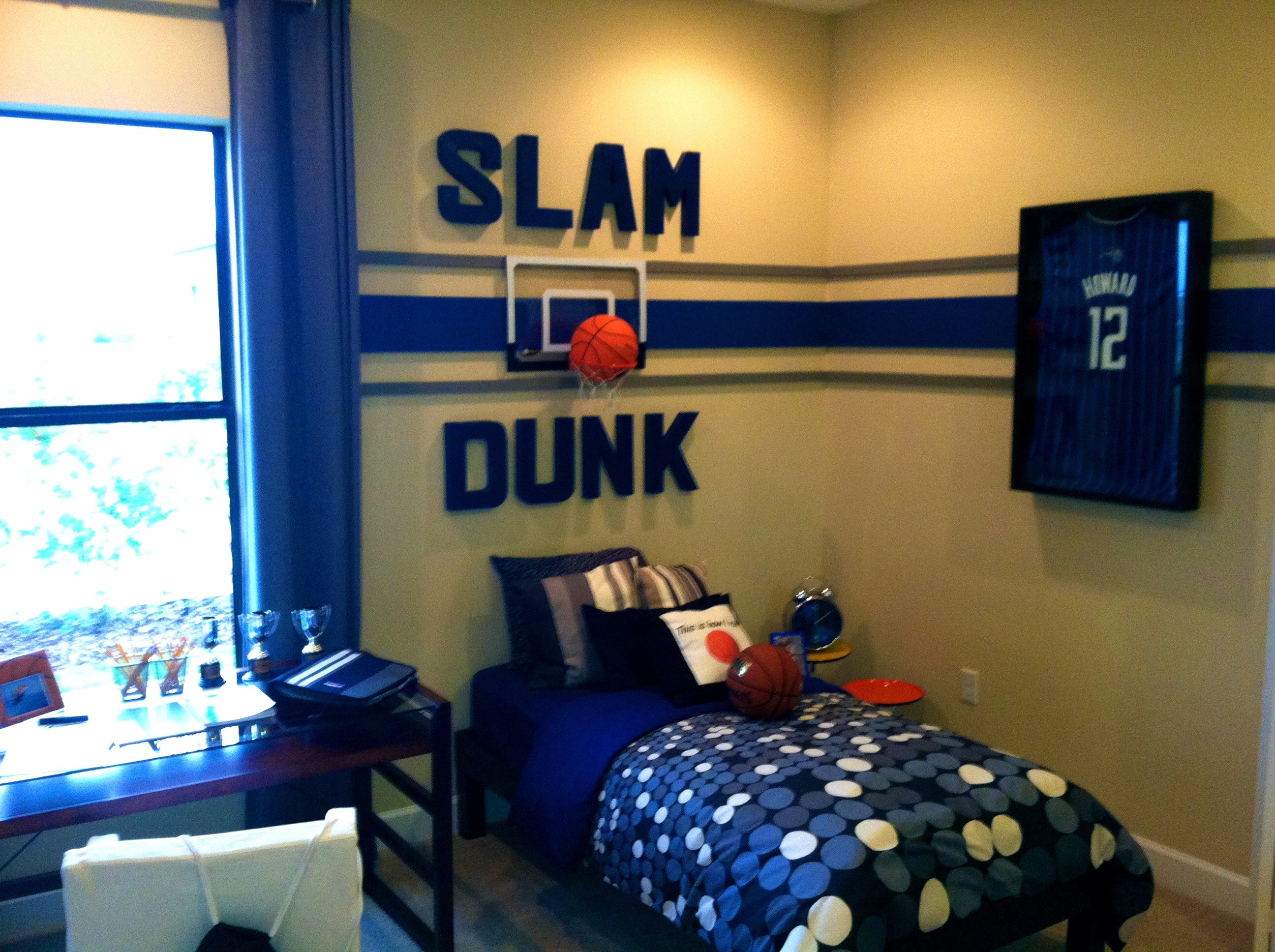 Cool game room ideas best video game rooms decor or design - Small room decor ideas ...