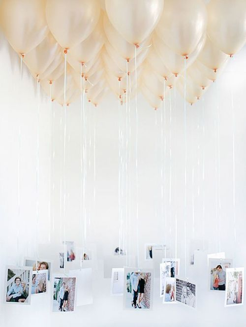 Attach pictures to flying balloons decoration