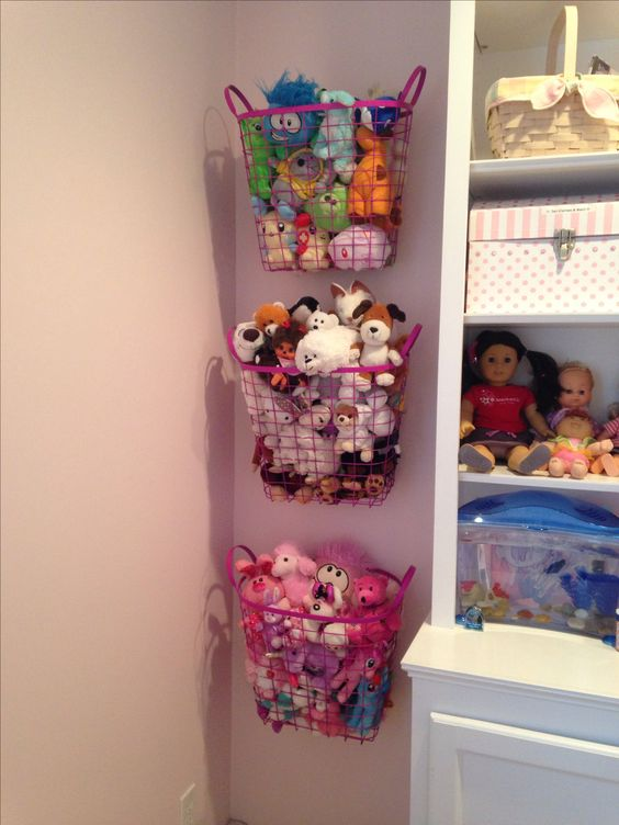 kids game room stuffed animals side