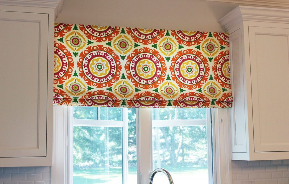 Colorful kitchen windows blinds