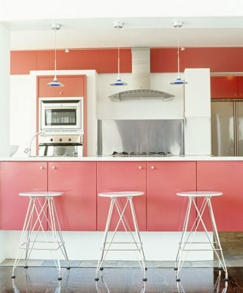 gallery-1429906636-pink-kitchen-getty