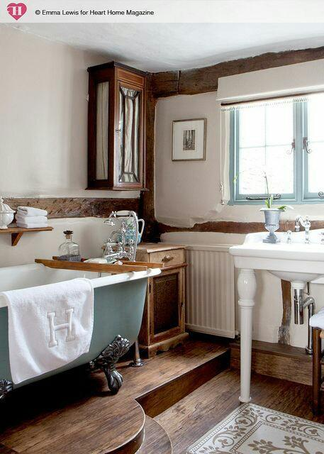 farmhouse bathroom unique style