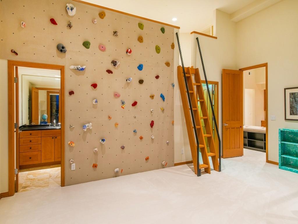 Kids room with kids climbing wall