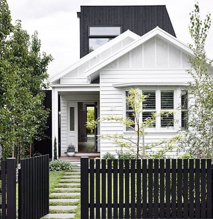 Simple Picket Fence: 30+ Picket Fence Ideas & Best White Picket Fence Designs