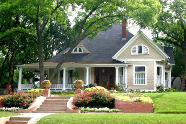 front yard lawn makeover ideas