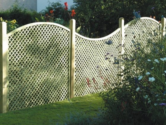 decorative lattice fence style