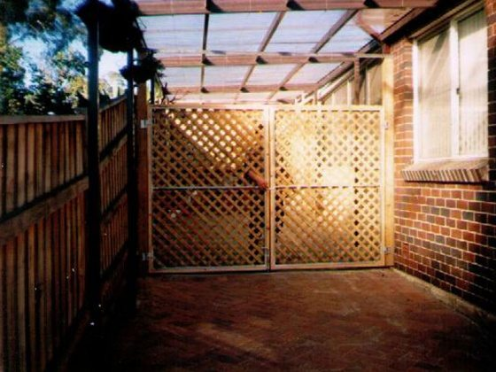 lattice-gates-showing-steel-frame