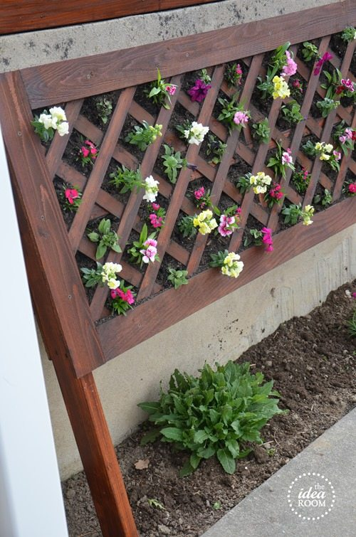 vertical lattice flower bed picket fence designs