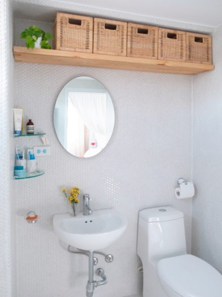 creative small bathroom wall cabinets