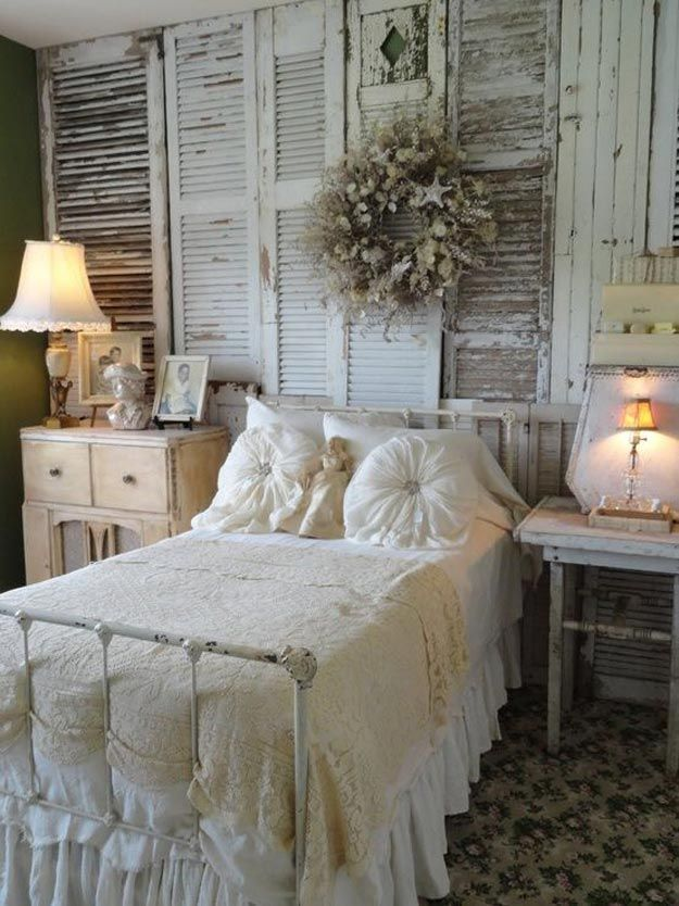 Bedroom rustic wall pallet design