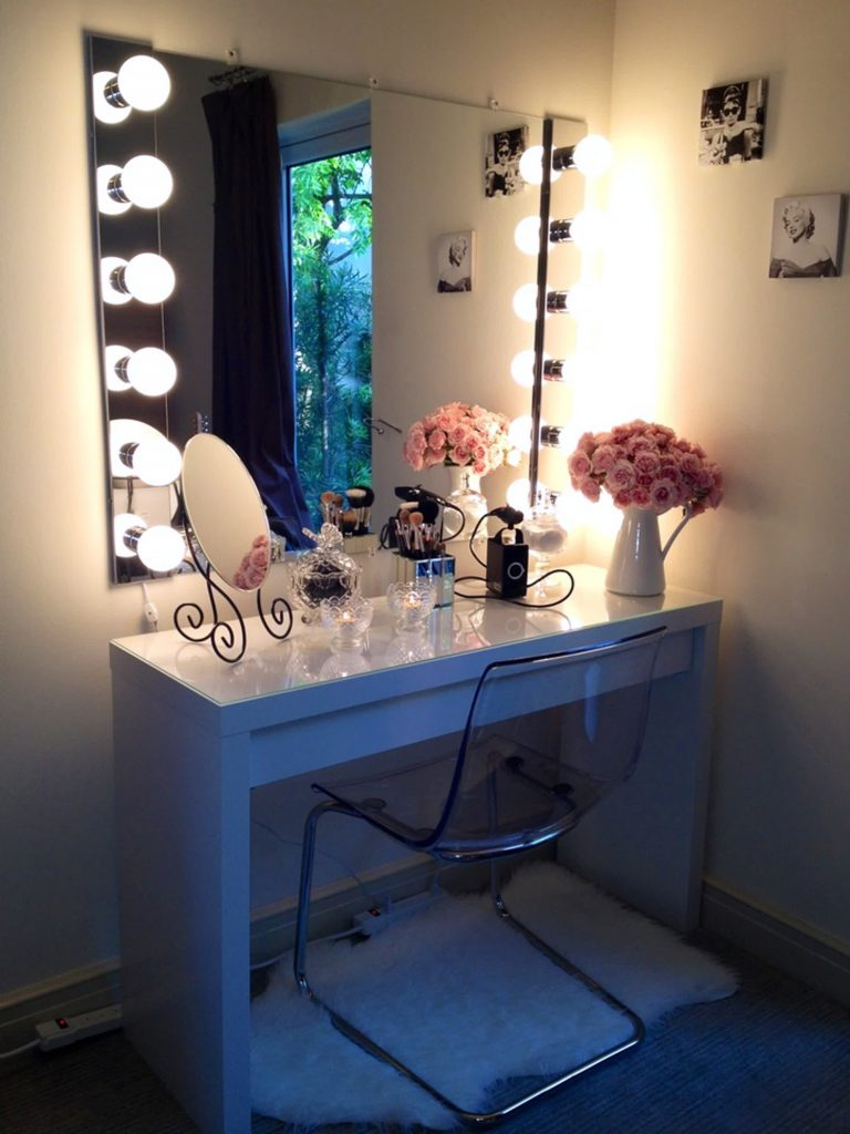 makeup vanity small table for small places