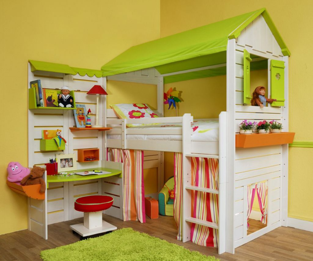 Bunk Bed with Desk with play area