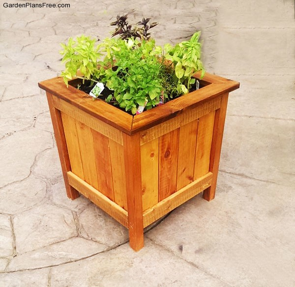 DIY cedar planter box ideas