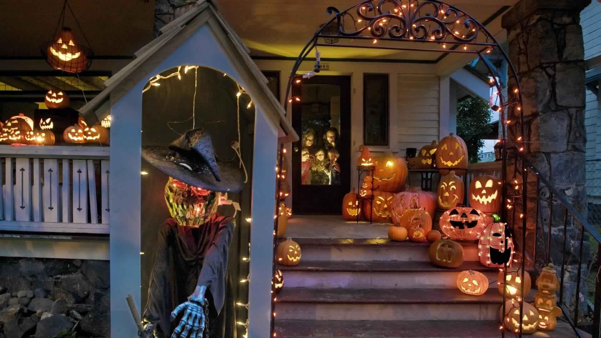 Outdoor Halloween Decorations Secured Setwalls
