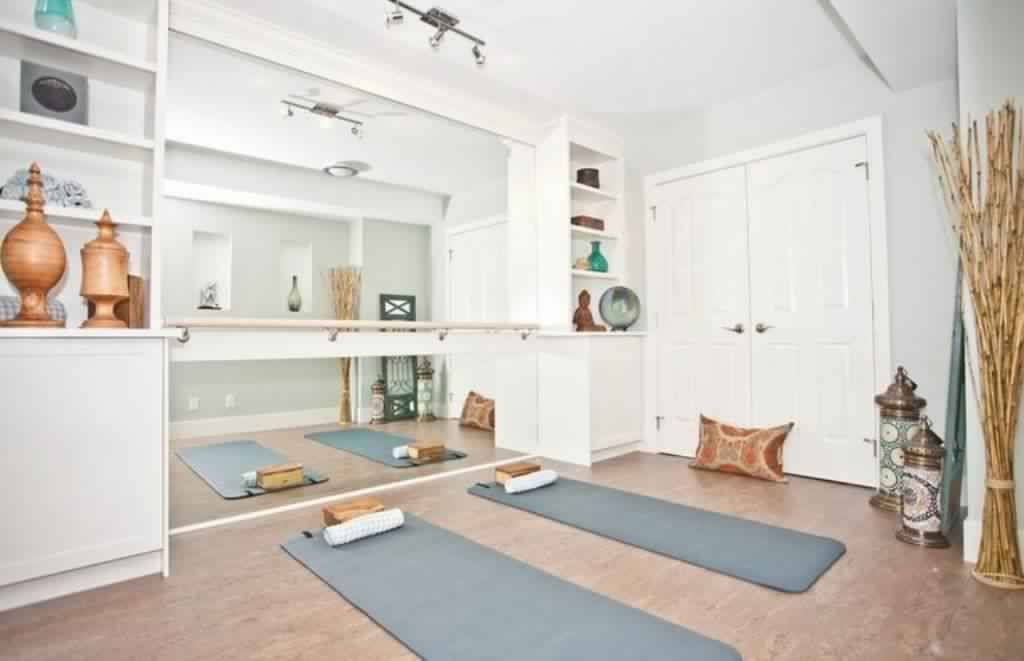 Meditation Room Decorating in white color