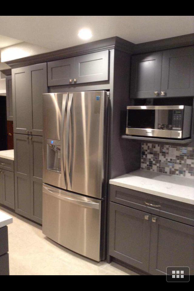 dark kitchen cabinets lighting