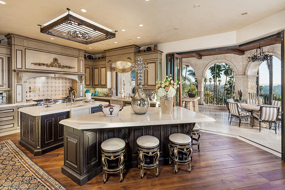 2018 Luxurious Kitchens Design With Pictures Decor Or Design