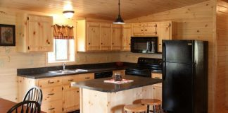 modern-kitchen-with-unfinished-pine-cabintes