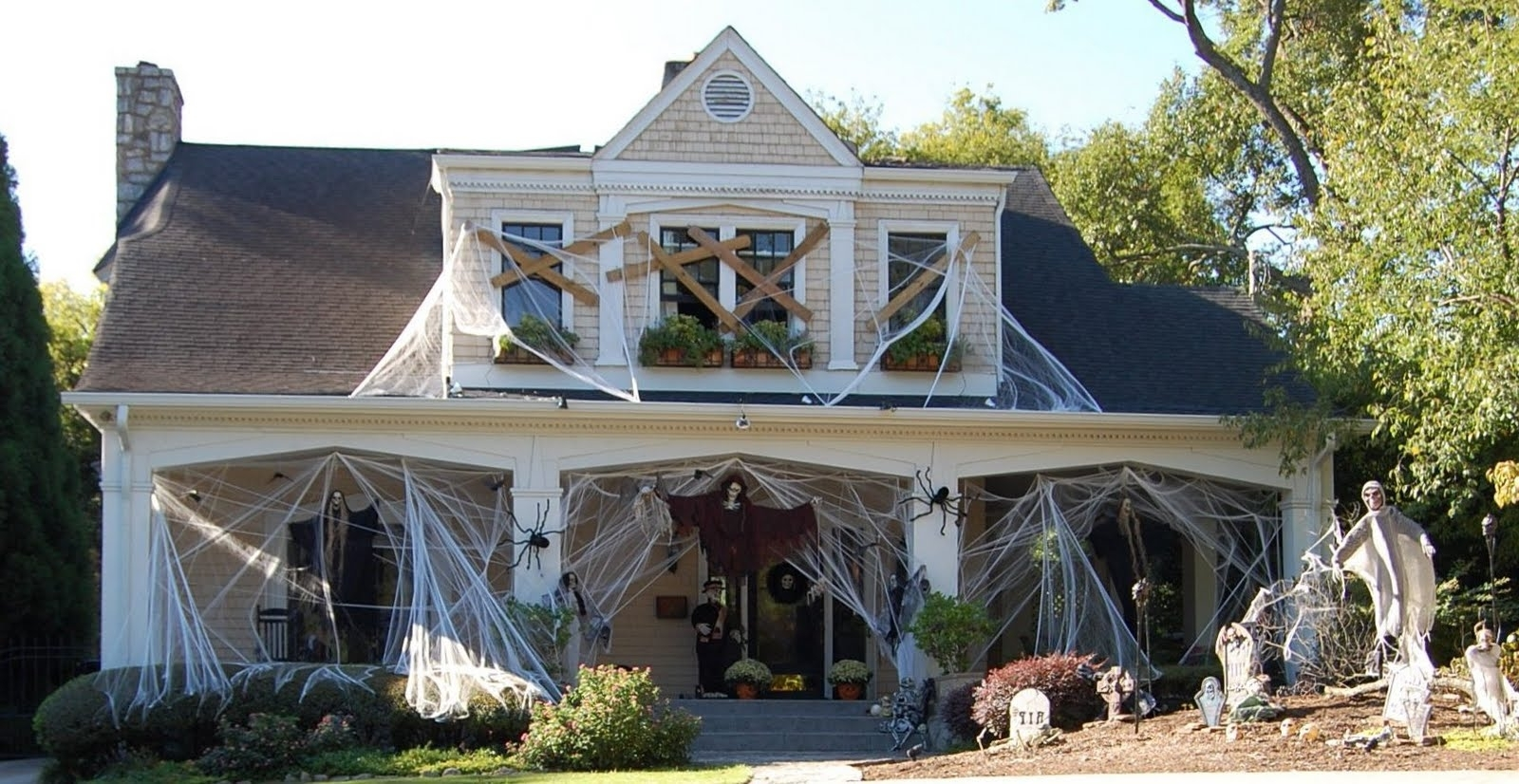 Outdoor Halloween Decorations for full house
