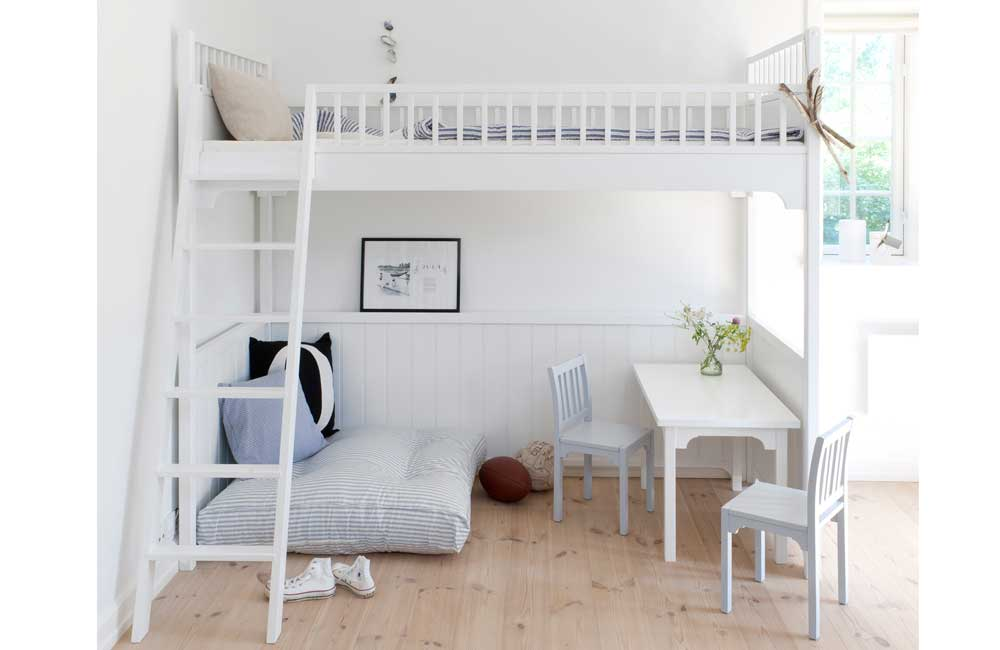 Bunk Bed with Desk in simple design for female