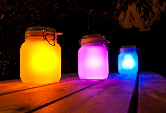 Outdoor solar lighting ideas with mason jars