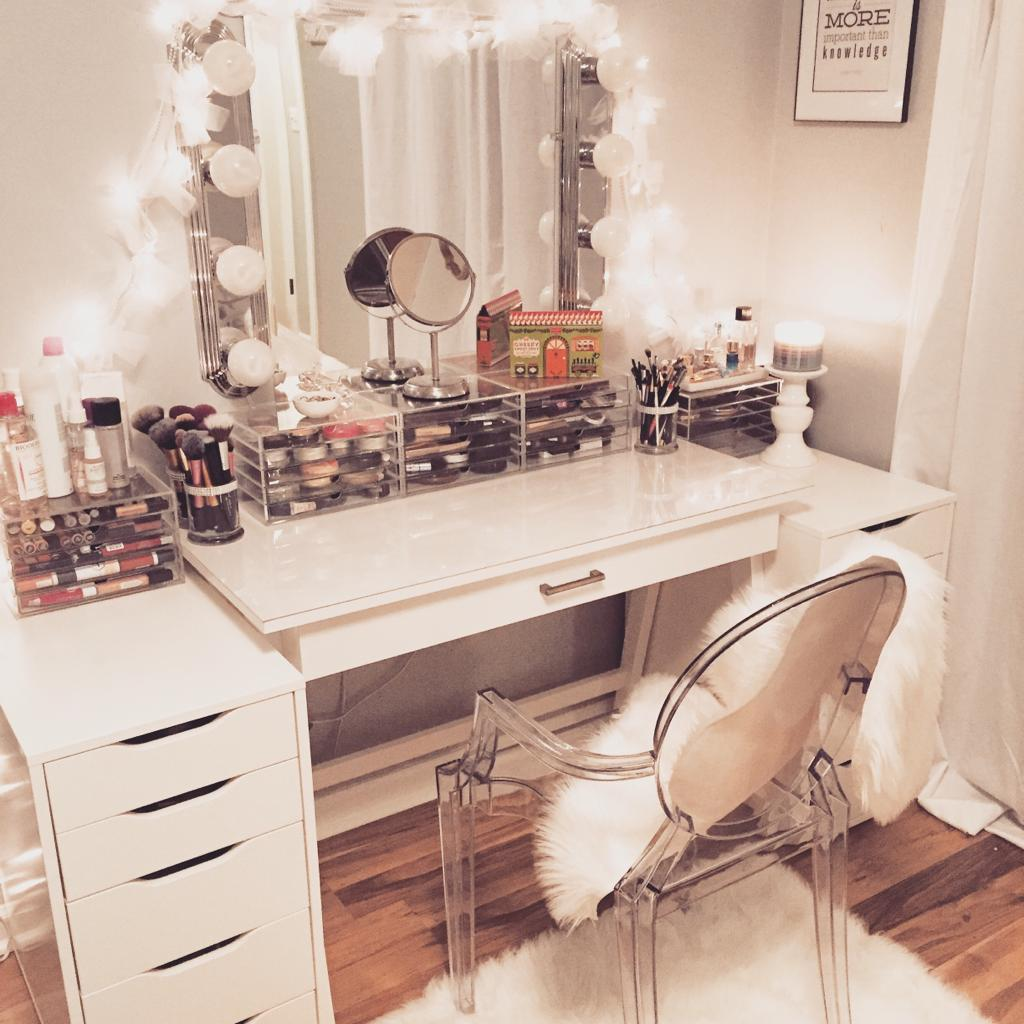 Most Wanted Makeup Vanity Table Ideas  Do-It-Yourself!  Decor Or